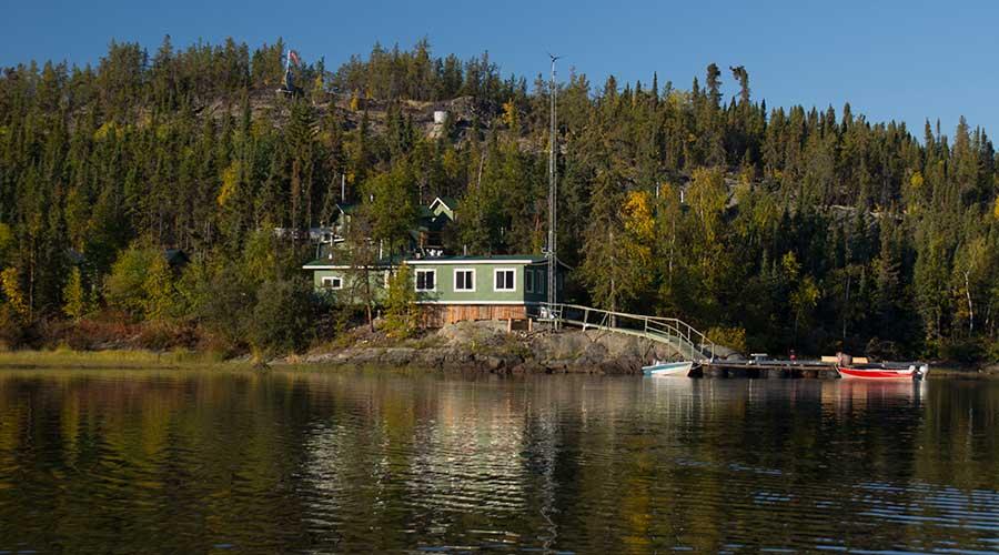 Hearne-Lake-Lodge-nwt